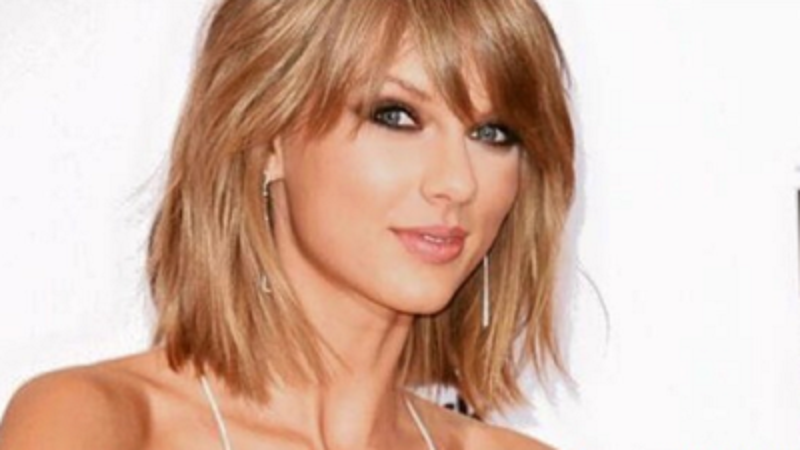 Taylor Swift Pamer Kedekatan dengan Adele dan JK Rowling