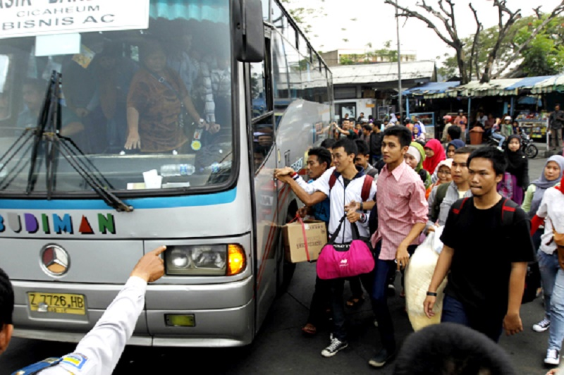 11.741 Orang Mudik Tinggalkan Bandung