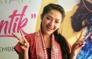 """Lagi Syantik"" Versi Penutupan Asian Games Dikritik Pedas, Siti Badriah Sedih"
