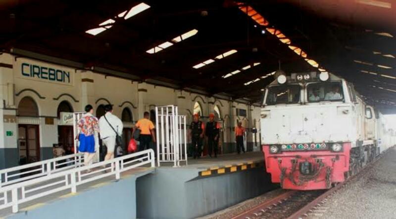 KAI Cirebon Siapkan 5.766 Tempat Duduk Per Hari