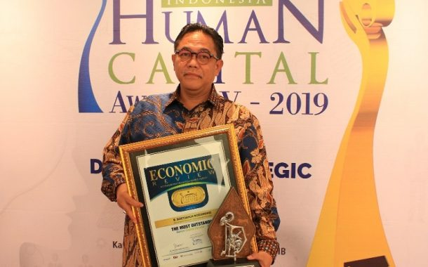 Raih 2 Award, Sutjahja Nugroho: Berkat Dukungan Manajemen dan Insan FIFGROUP