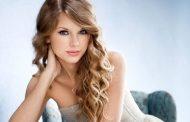 "Taylor Swift Rayakan Usia 30 Tahun di Konser ""Jingle Ball"" New York"