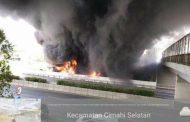 Pipa Minyak Pertamina di Cimahi Terbakar