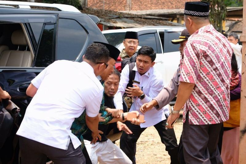 Menkopolhukam Wiranto Ditusuk