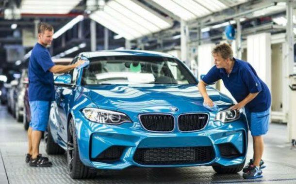 BMW Diundang Buka Pabrik Mobil Listrik di Indonesia