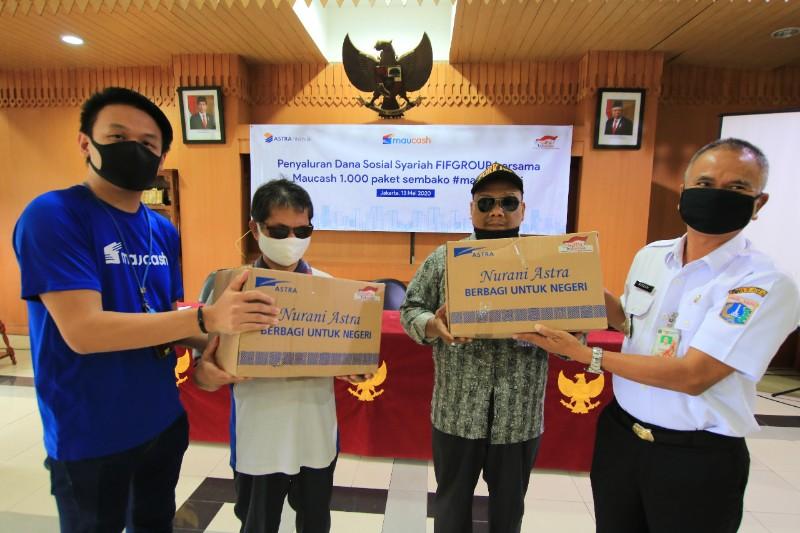 AWDA Serahkan Bantuan ke Kecamatan Cilandak