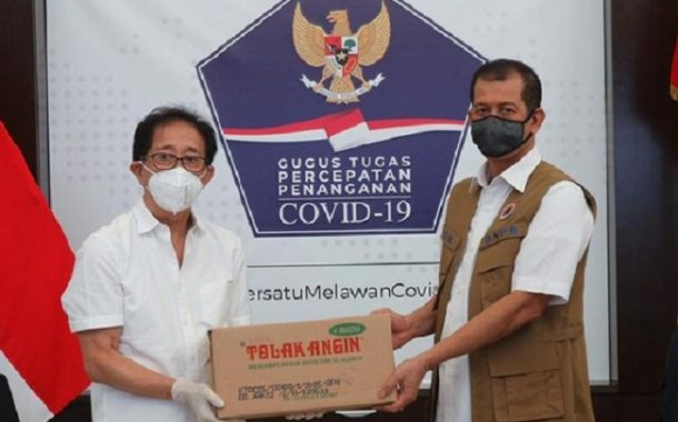 Sido Muncul Serahkan 75.000 Sachet Tolak Angin ke BNPB