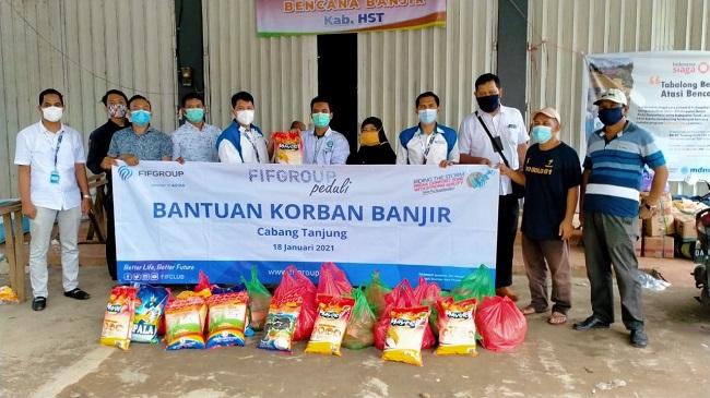 FIFGROUP Salurkan Bantuan untuk Korban Banjir dan Gempa
